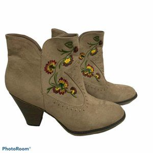 MIA Melrose ankle booties 11M embroidered suede